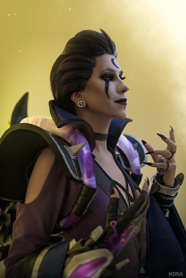 Russian Cosplay: Moira & Mercy (Overwatch) by Frau_Haku & Lady Melamori