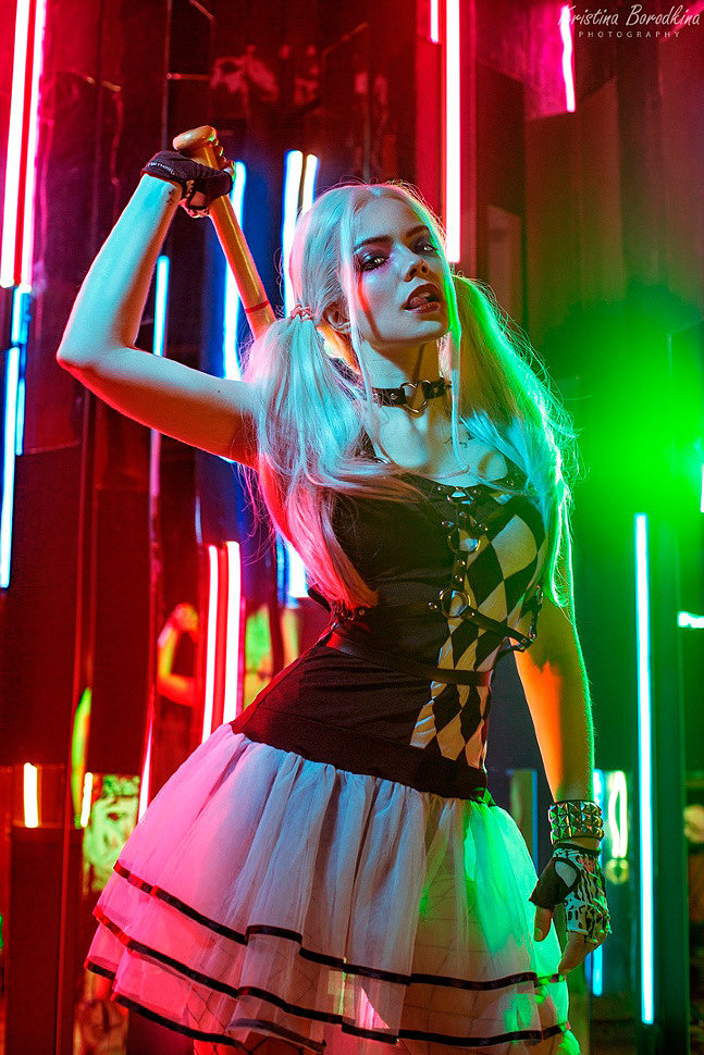 Russian Cosplay: Harley Quinn (DC) by cassidy22