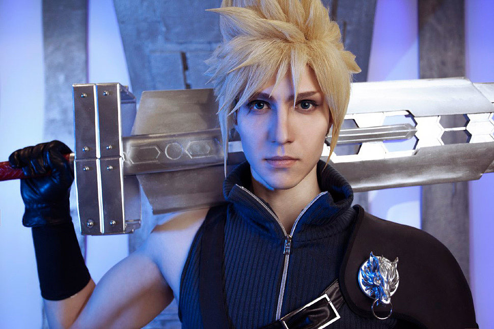 Russian Cosplay: Cloud, Tifa (Final Fantasy VII: Advent Children)