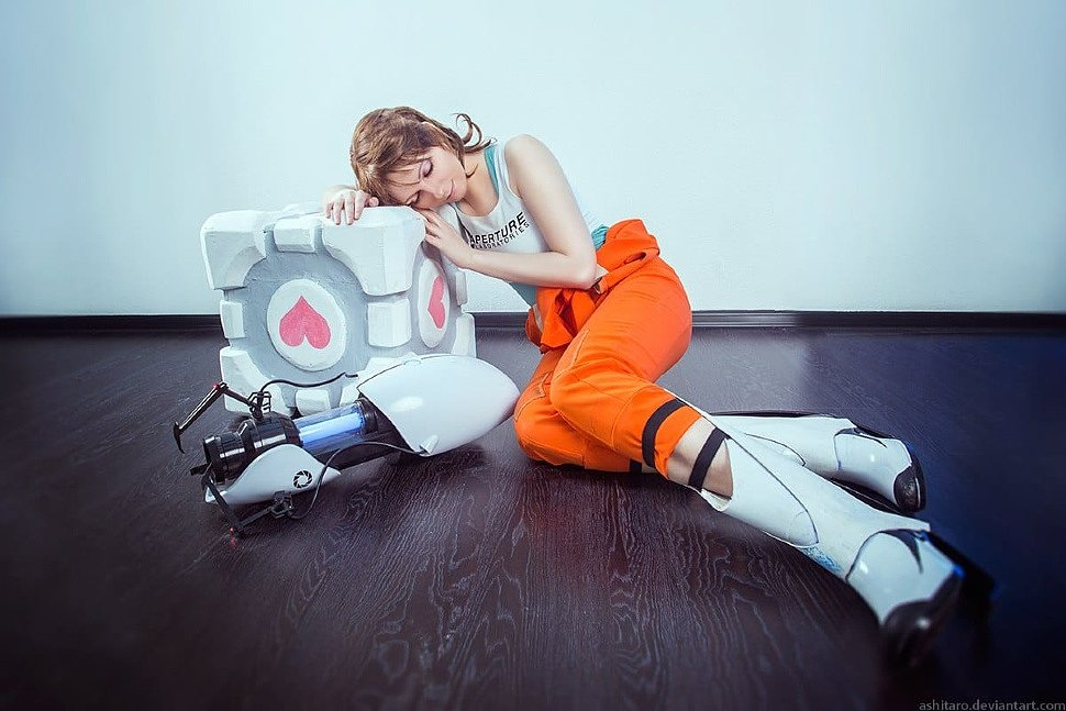 Russian Cosplay: Chell (Portal 2)
