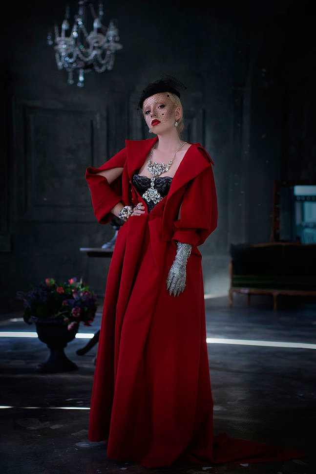 Russian Cosplay: The Сountess (American Horror Story: Hotel)