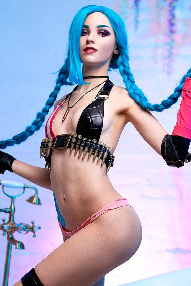 Russian Cosplay: Jinx (League of Legends) by Axilirator