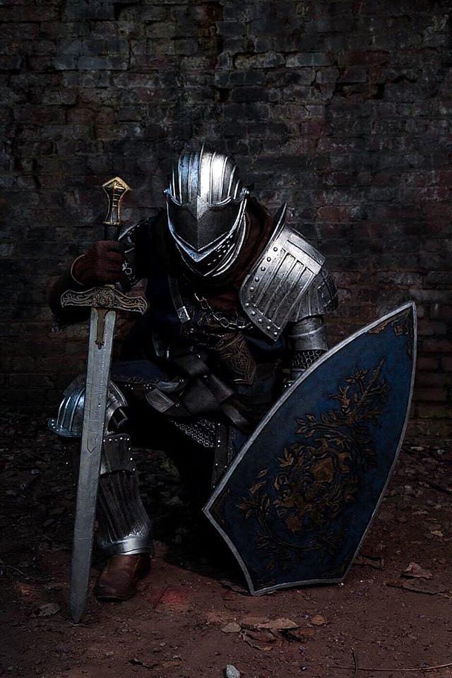 Cosplay: Elite Knight Armor (Dark Souls) by Sunlight