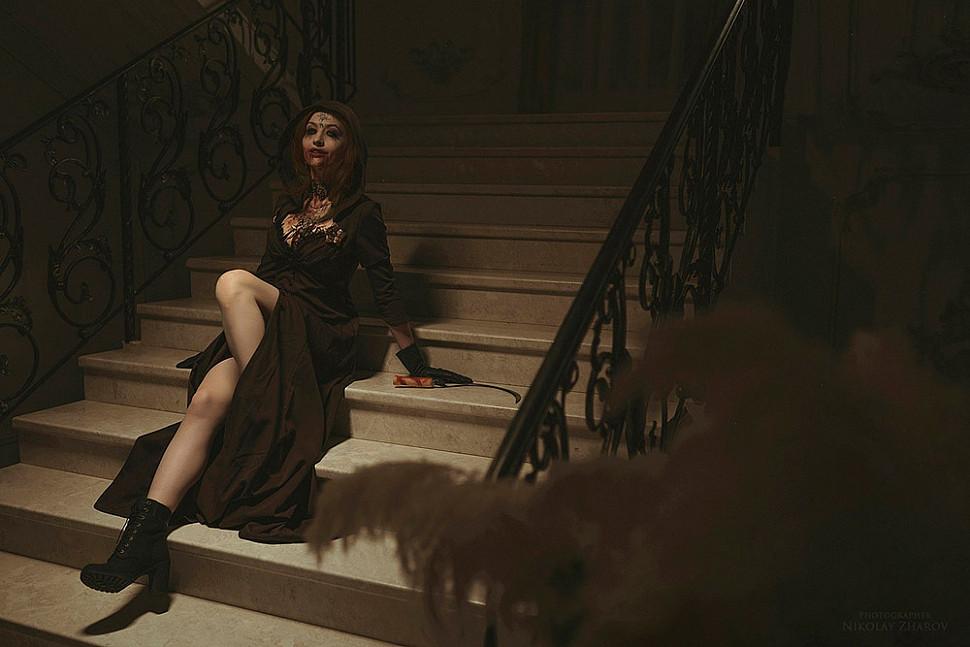 [Cosplay] Lady Dimitrescu (Resident Evil Village) by Anastasia Sallozare