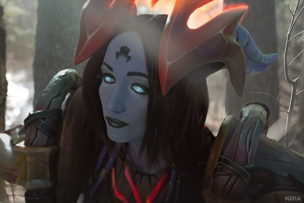 Russian Cosplay: Draenei Hunter (World of Warcraft) by Feyische