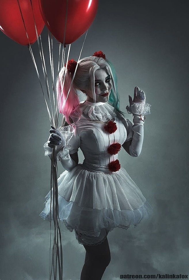 Russian Cosplay: Harleywise (It/DC Comics)