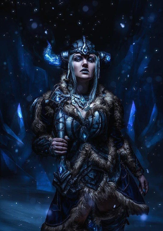 Russian Cosplay: League Of Legends (Cosplay Calendar 2019)