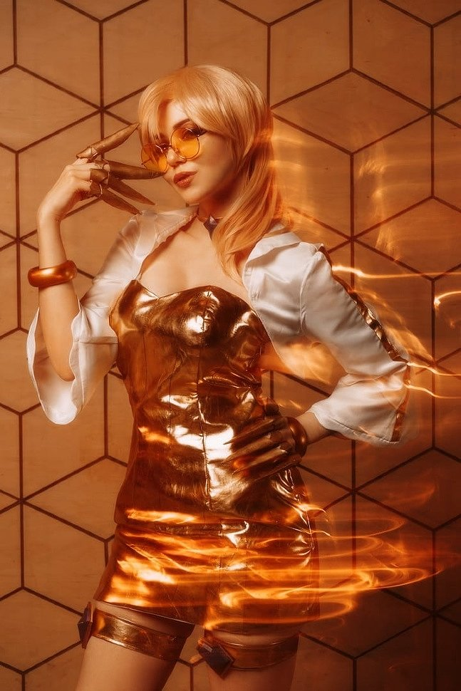 Russian Cosplay: Ahri & Evelynn (League of Legends) by Kotyashenka & Japp_leack