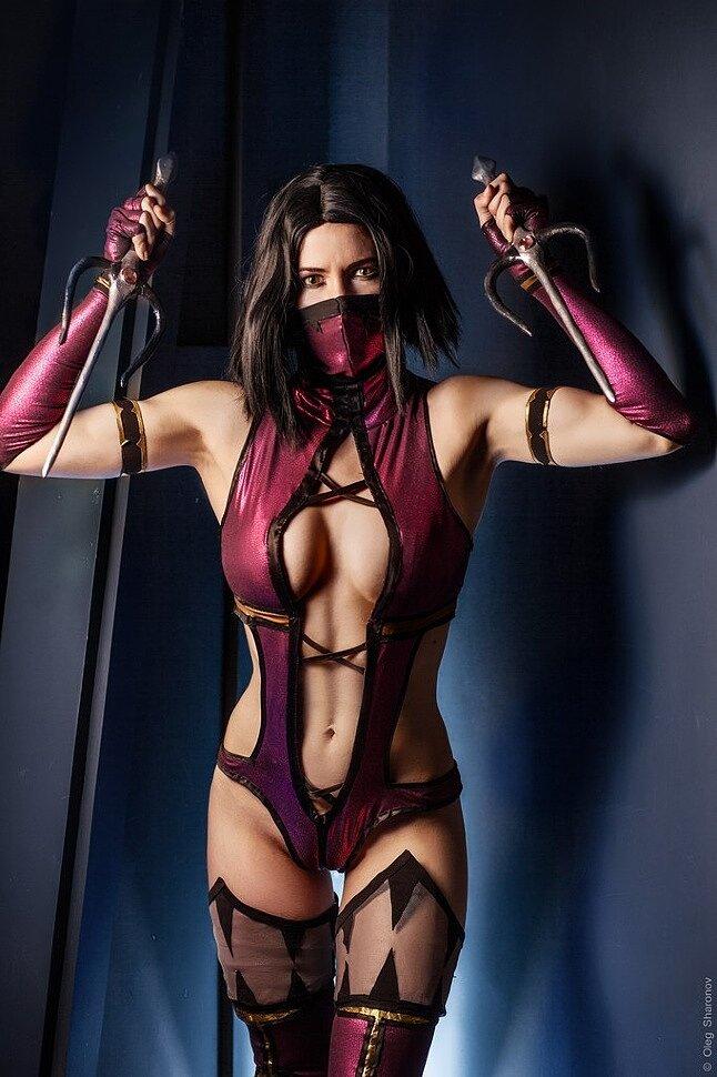 [Cosplay] Mileena (Mortal Kombat) by AsherWarr
