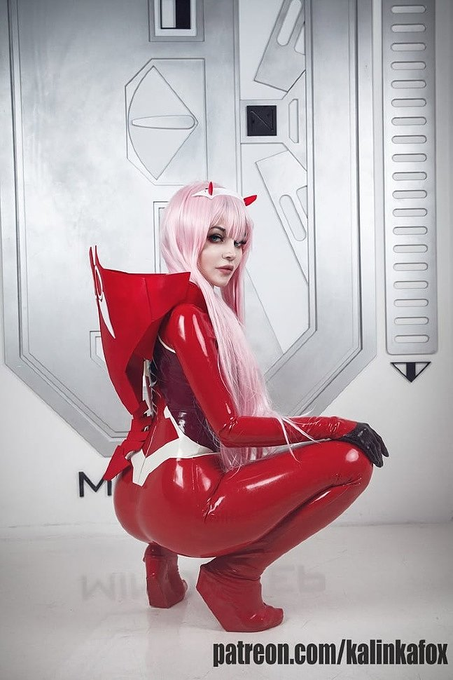 Russian Cosplay: Zero Two (Darling in the Franxx)