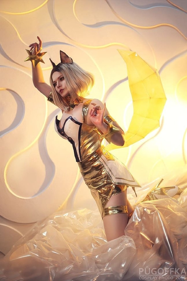 Russian Cosplay: KDA Ahri (League of Legends) by Valeriya Vernaya