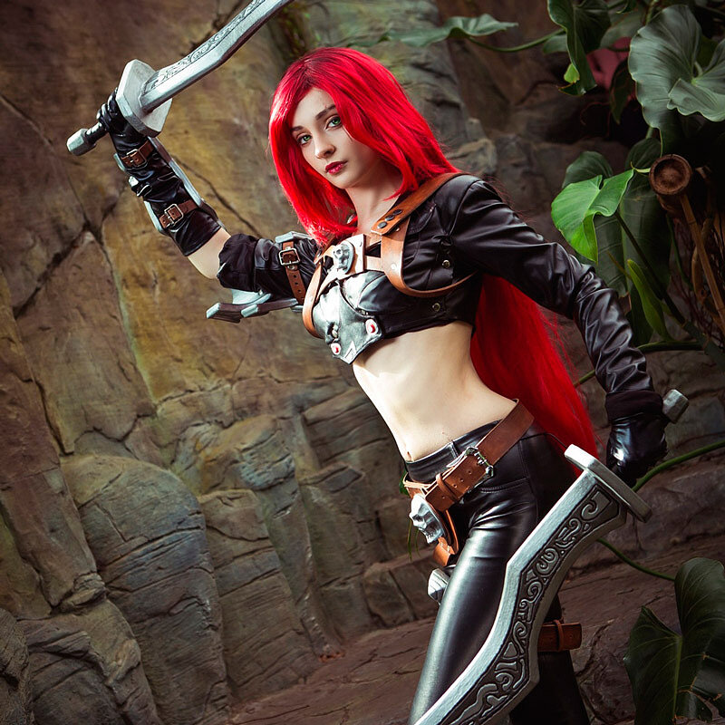Katarina (League of Legends) Cosplay by Daria Hime