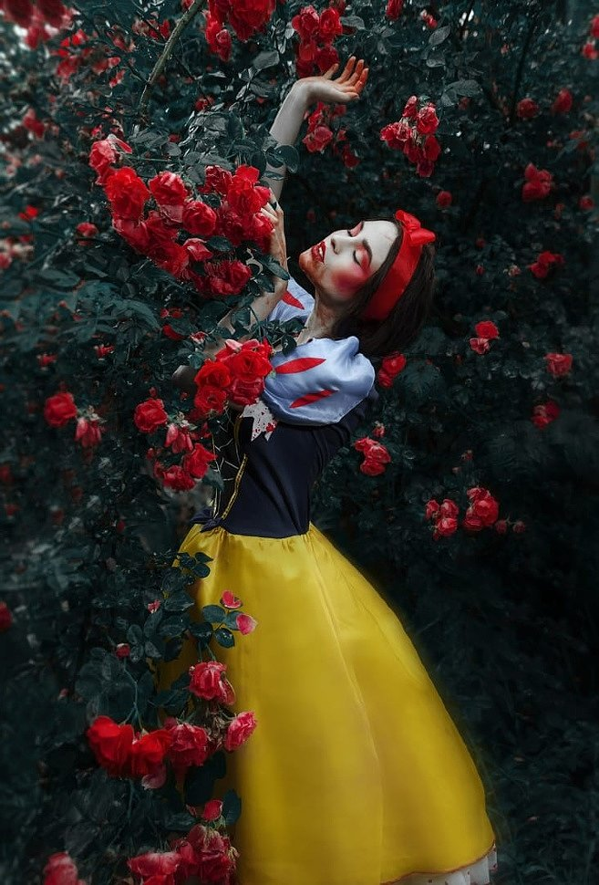 Russian Cosplay: Bloody Snow White