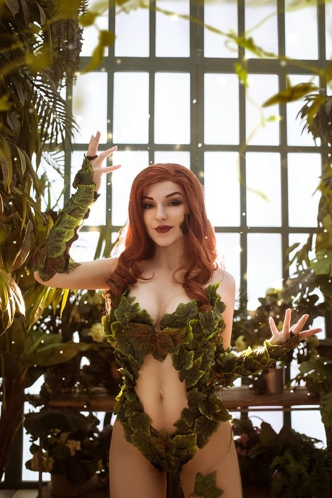 Russian Cosplay: Poison Ivy (DC Comics) by Iris