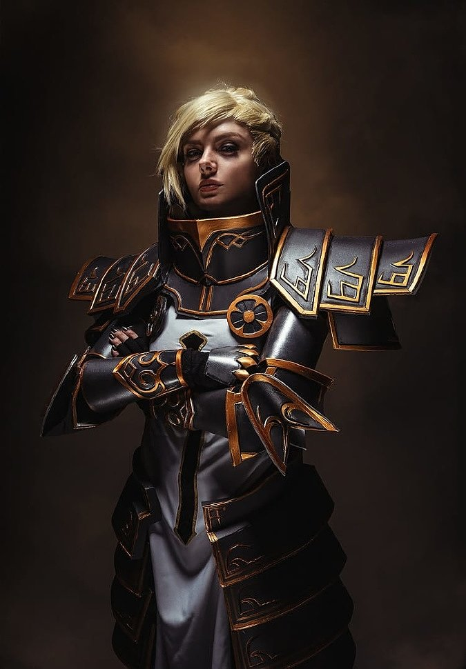 Russian Cosplay: Johanna (Diablo)