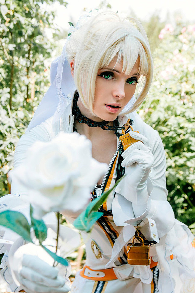 Russian Cosplay: Saber Bride (Fate/Extra CCC)