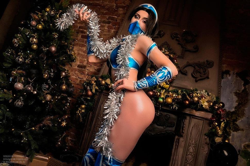 Russian Cosplay: Kitana (Mortal Kombat) by Vvedenskaya_A