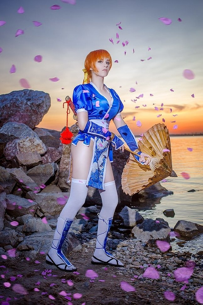 Russian Cosplay: Tina, Kasumi & Hitomi (Dead or Alive 5)