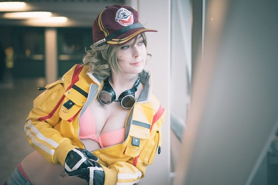 Cosplay: Cindy (Final Fantasy 15)