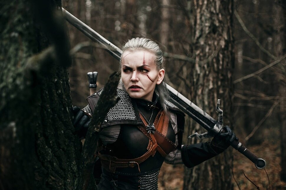 Russian Cosplay: fem! Geralt (The Witcher) by Freaky Vitta