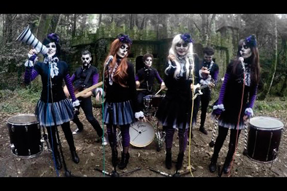 [Music Video] Tim Burton - This is Halloween (by Broken Peach)